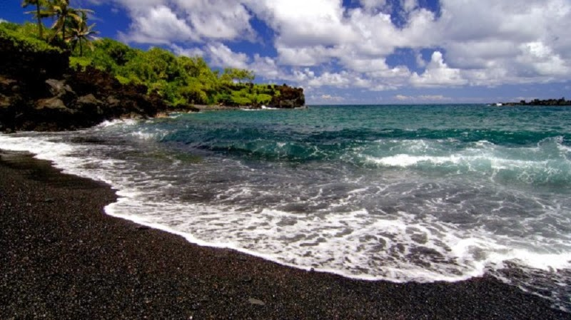 One'uli Beach, Maui, Hawaii, USA. - Top 10 Unusual Natural Wonders