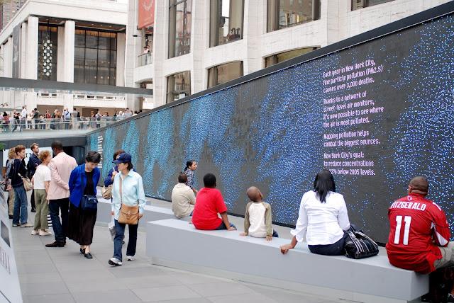 Nyc Nyc Ibm Think Exhibit S Digital Wall At Lincoln Center