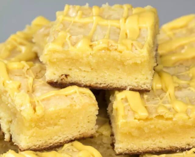 Brownie branco com trufa de maracujá