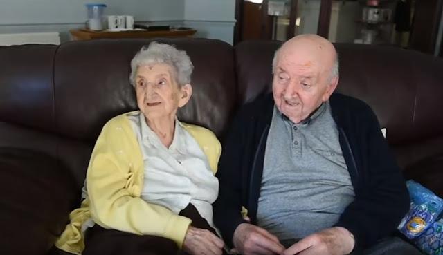 Idosa muda para asilo para cuidar do seu filho de 80 anos