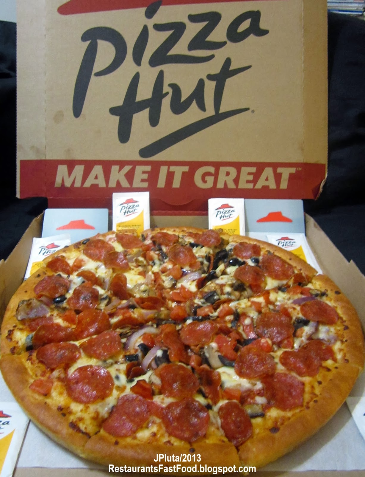 When Pizza Hut first came to the area it was the best pizza in town. A large size could feed a family of four easily and often take some home. I think that a large today is about the same as a small from back in the 's. The toppings tasted like what they were and there was a fair amount of cheese.