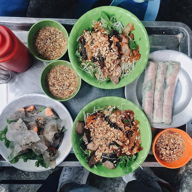 Street food on Hanoi's shortest street 3