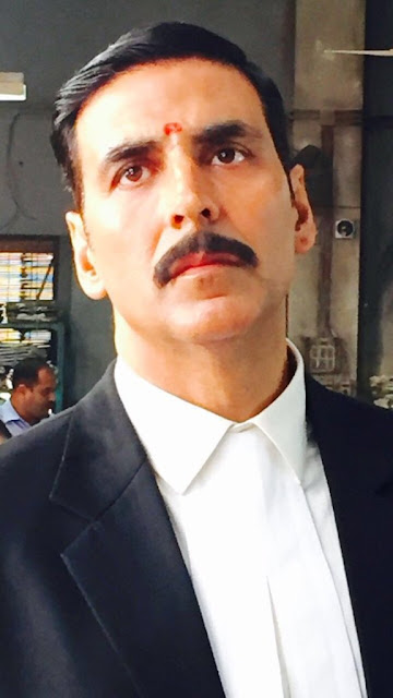 Akshay Kumar Looks In Jolly LLB 2