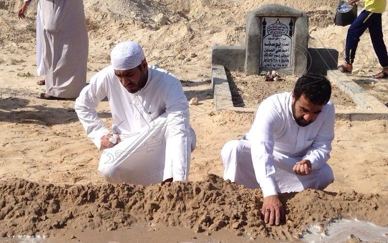 فتحوا قبر امرأة بعد سماع صوت داخله … فكانت مفاجأة غير متوقعة في انتظارهم … لن تتخيل المنظر  الذي وقع