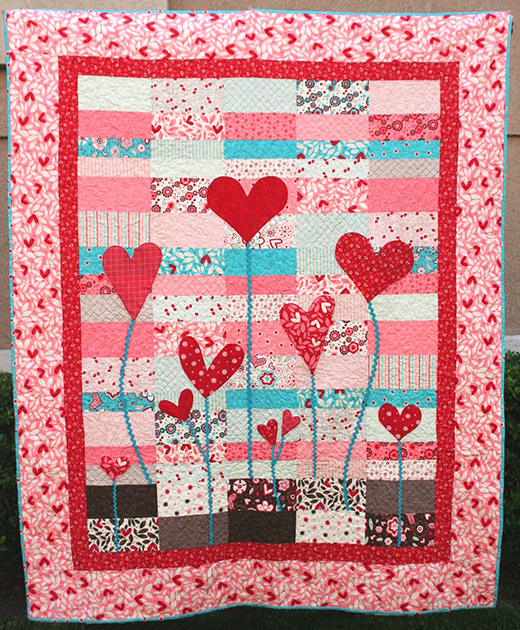 Heart Garden Quilt designed by Ellie Roberts of Craft Sew Create for Modabakeshop
