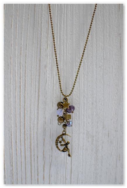 pendentif lune et fée bronze vieilli et indigo