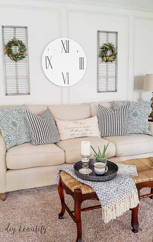 faux farmhouse clock DIY