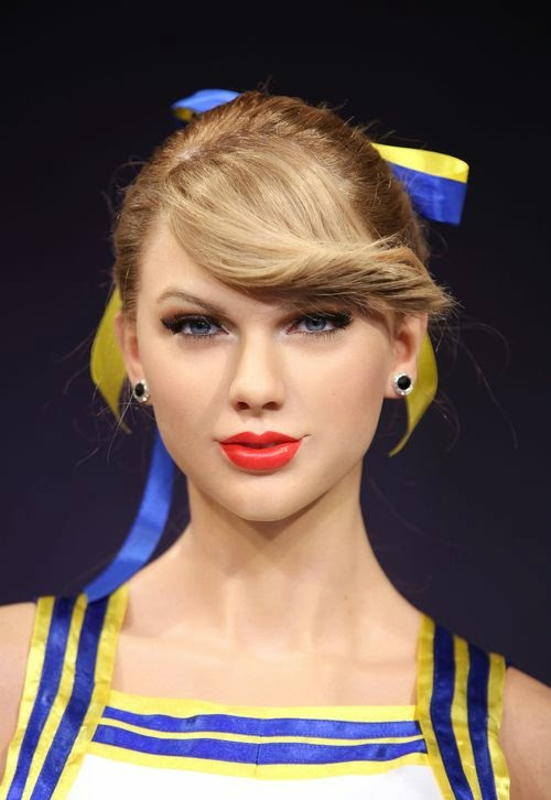 Caution, danger of confusion! Madness! This is Taylor Swift wax double