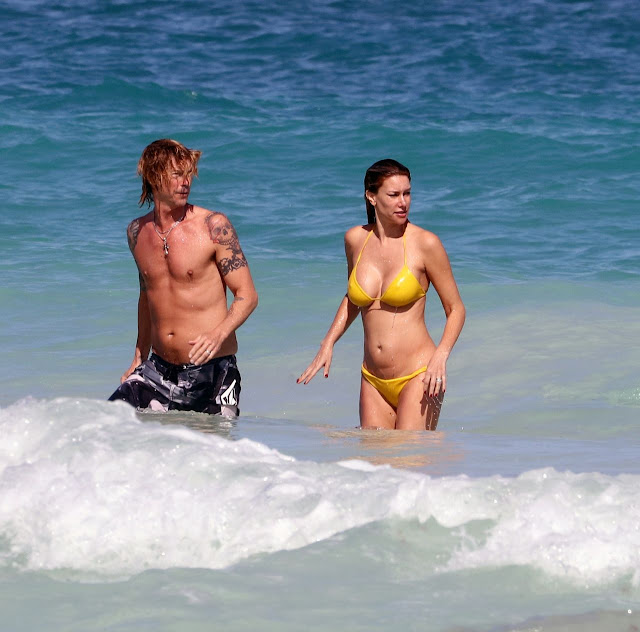Susan Holms Sexy Photo In Yellow Bikini and Her Husband Duff McKagan