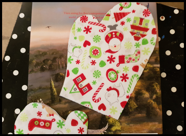 Using Christmas fabrics to make cute mittens for Christmas decoration