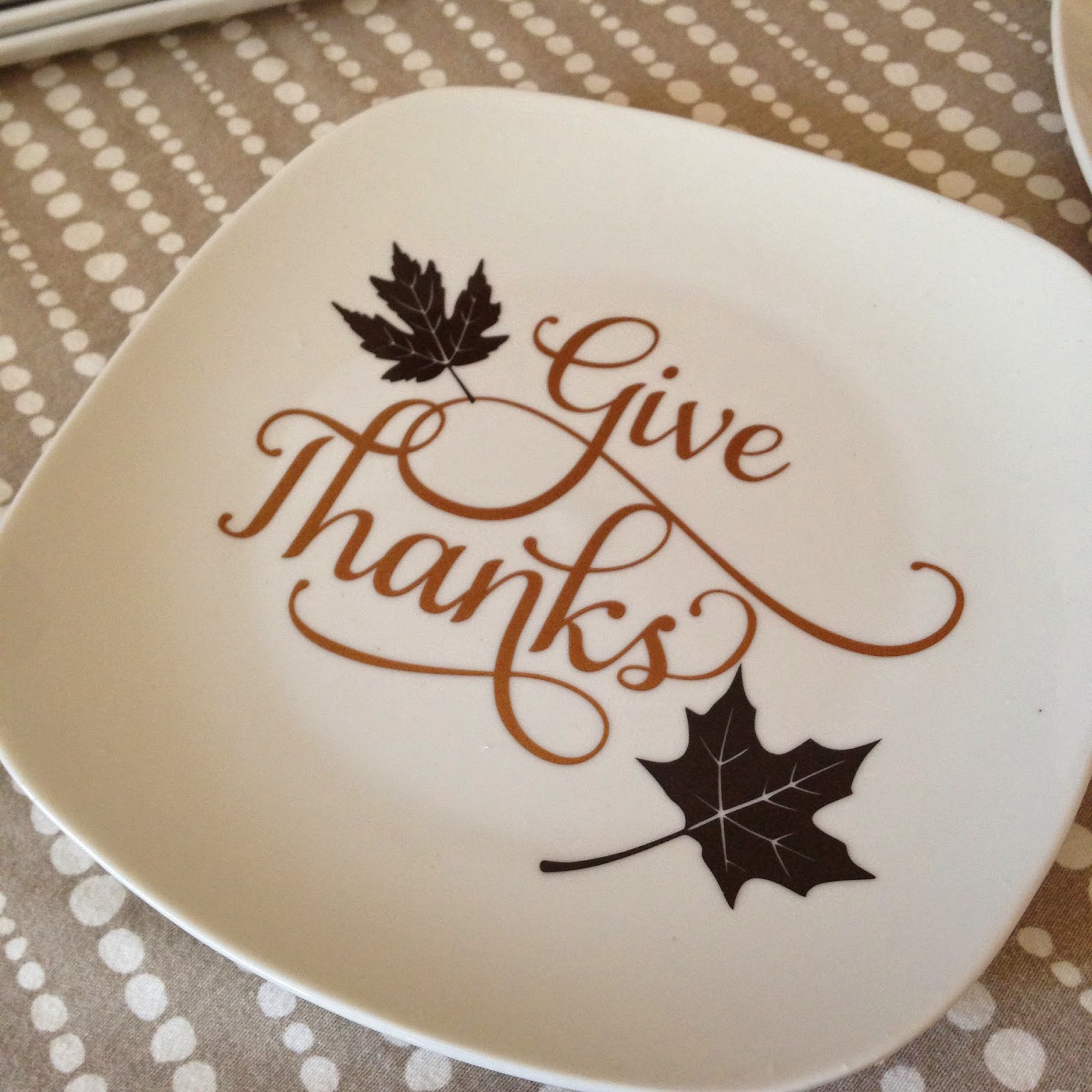 DIY, do it yourself, $1, thanksgiving, decorative plates
