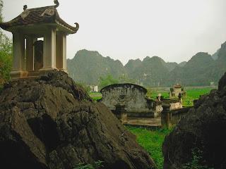 Cemetery in Ninh Binh