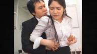บอสญี่ปุ่นหื่นแอบปล้ำขืนใจพนักงานหญิงในห้องครัวออฟฟิศ JAV18+