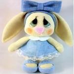 http://www.patronesmil.es/diy-preciosa-conejita-amigurumi.html