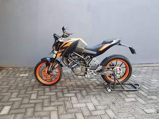 For sale : KTM Duke 200 th 2012  - Surat Lengkap BPKB-STNK