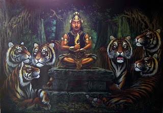 """Sri Baduga Maharaja (Ratu Jayadewata) mengawali pemerintahan zaman Pajajaran, yang memerintah selama 39 tahun (1482-1521). Pada masa inilah Pakuan mencapai puncak perkembangannya.  Dalam prasasti Batutulis diberitakan bahwa Sri Baduga dinobatkan dua kali, yaitu yang pertama ketika Jayadewata menerima tahta Kerajaan Galuh dari ayahnya (Prabu Dewa Niskala) yang kemudian bergelar Prabu Guru Dewapranata. Yang kedua ketika ia menerima tahta Kerajaan Sunda dari mertuanya, Susuktunggal. Dengan peristiwa ini, ia menjadi penguasa Sunda-Galuh dan dinobatkan dengar gelar Sri Baduga Maharaja Ratu Haji di kerajaan Pakuan Pajajaran Sri Sang Ratu Dewata. Jadi, sekali lagi dan untuk terakhir kalinya, setelah """"sepi"""" selama 149 tahun, Jawa Barat kembali menyaksikan iring-iringan rombongan raja yang berpindah tempat dari timur ke barat. Untuk menuliskan situasi kepindahan keluarga kerajaan dapat dilihat pada Pindahnya Ratu Pajajaran. Prabu Siliwangi  Di Jawa Barat, Sri Baduga ini lebih dikenal dengan nama Prabu Siliwangi. Nama Siliwangi sudah tercatat dalam Kropak 630 sebagai lakon pantun. Naskah itu ditulis tahun 1518 ketika Sri Baduga masih hidup. Lakon Prabu Siliwangi dalam berbagai versinya berintikan kisah tokoh ini menjadi raja di Pakuan. Peristiwa itu dari segi sejarah berarti saat Sri Baduga mempunyai kekuasaan yang sama besarnya dengan Wastu Kancana (kakeknya) alias Prabu Wangi (menurut pandangan para pujangga Sunda).  Menurut tradisi lama, orang segan atau tidak boleh menyebut gelar raja yang sesungguhnya, maka juru pantun memopulerkan sebutan Siliwangi. Dengan nama itulah ia dikenal dalam literatur Sunda. Wangsakerta pun mengungkapkan bahwa Siliwangi bukan nama pribadi, ia menulis:  """"Kawalya ta wwang Sunda lawan ika wwang Carbon mwang sakweh ira wwang Jawa Kulwan anyebuta Prabhu Siliwangi raja Pajajaran. Dadyeka dudu ngaran swaraga nira"""".Indonesia: Hanya orang Sunda dan orang Cirebon serta semua orang Jawa Barat yang menyebut Prabu Siliwangi raja Pajajaran. Jadi nama itu bu"""