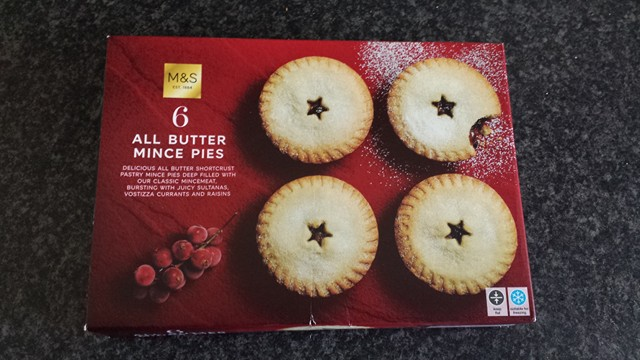 Marks & Spencer Food Reviews: M&S All Butter Mince Pies