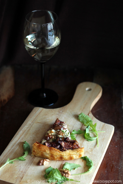 tarta z figami i kozim serem na cieście francuskim
