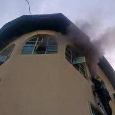 fire yinka ayefele house ibadan