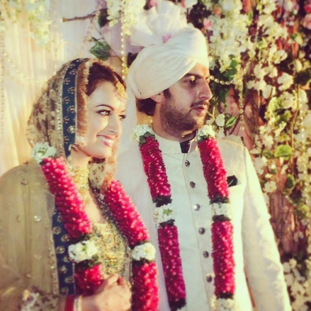 actor dia mirza, ties the knot with long time beau sahil sangha, in new delhi amidst close friends and family. and ofcourse,  i it ty, was there to witness the grand event :)
