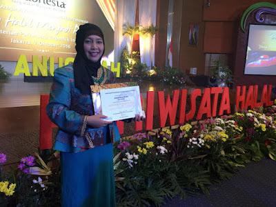 Cheria Tour Meraih Tiga Terbaik Lomba Wisata Halal 2016