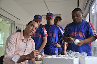Ubaldo Jiménez reconocido en el Clásico Scotiabank de pequeñas Ligas
