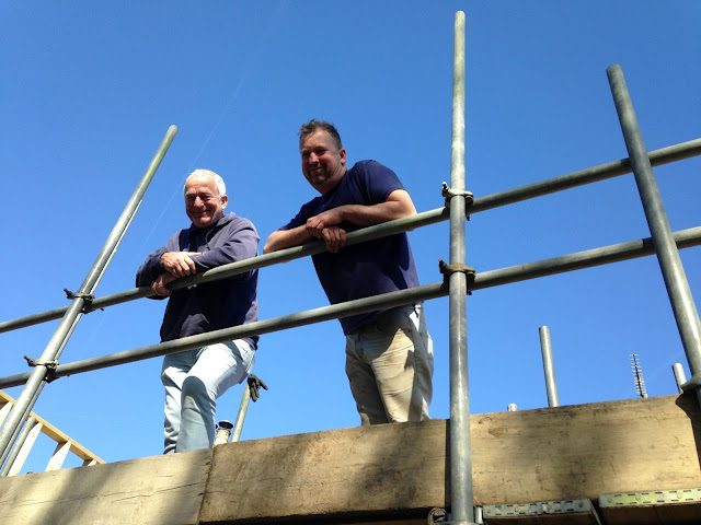 builders on scaffold