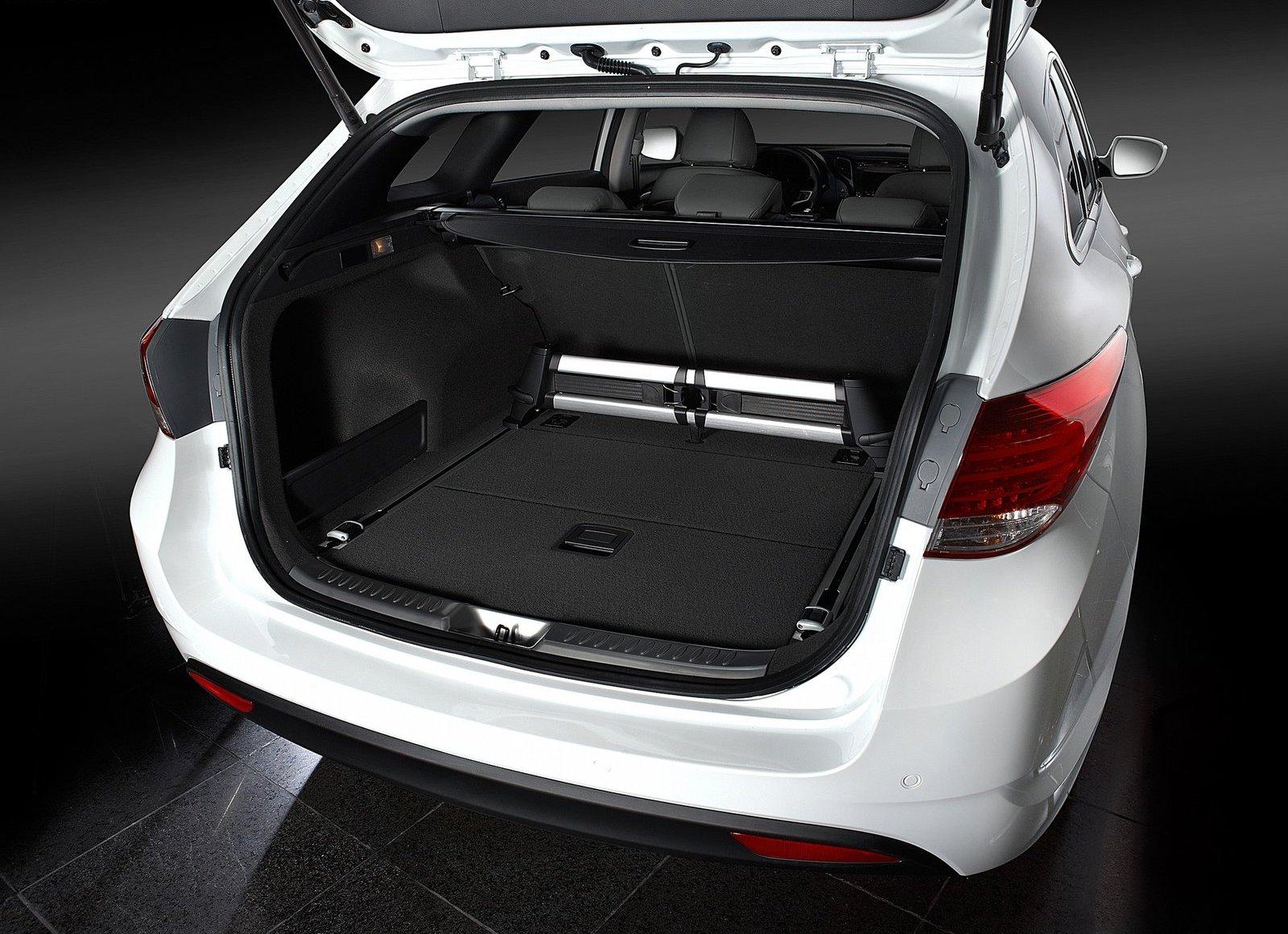 2012 hyundai i40 wagon live stream. Black Bedroom Furniture Sets. Home Design Ideas