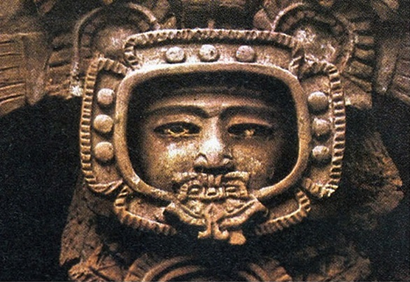 alien astronaut carvings - photo #28
