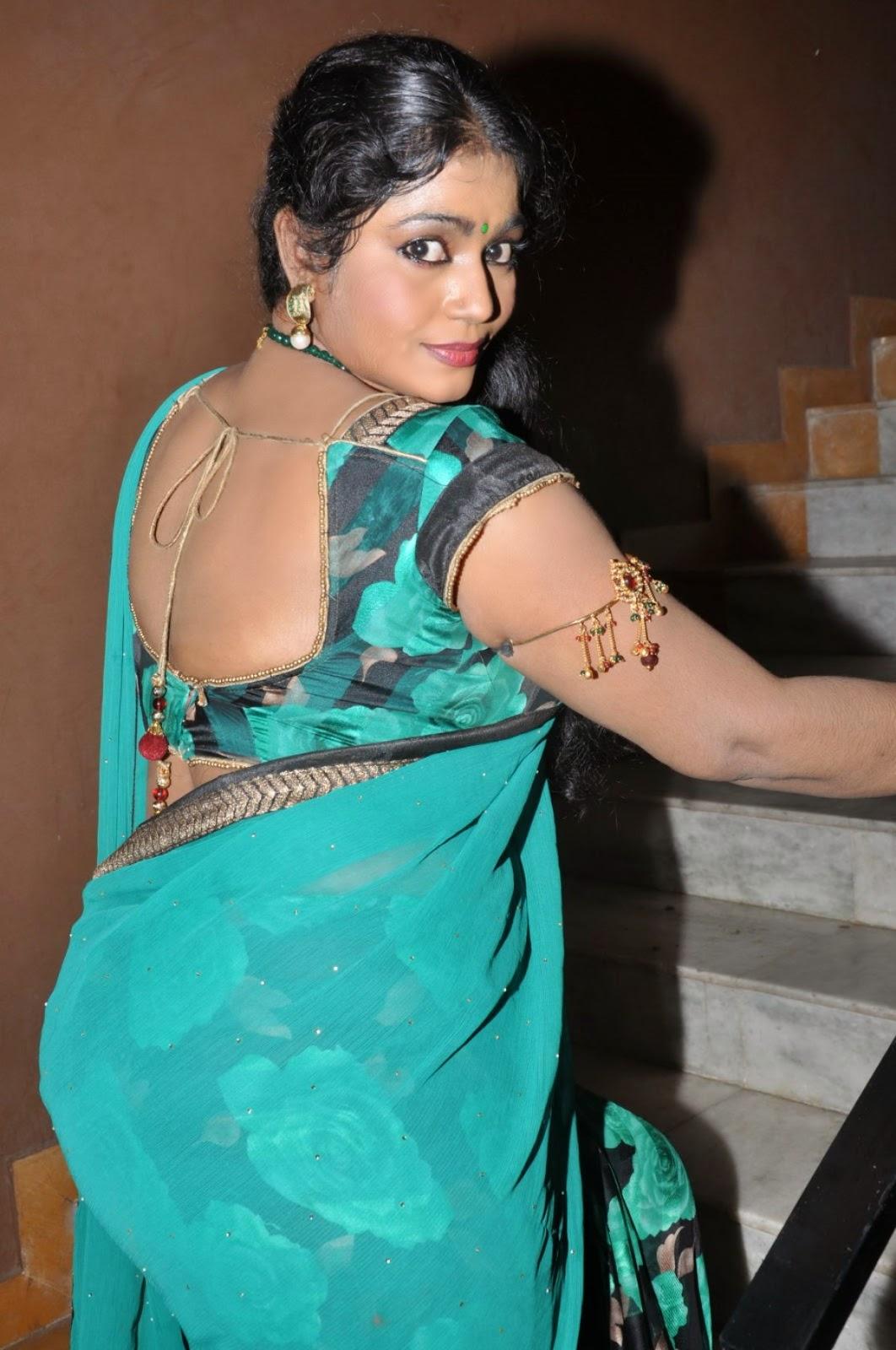 Jayavani In Saree At Minugurulu Movie Audio Launch Event -4097