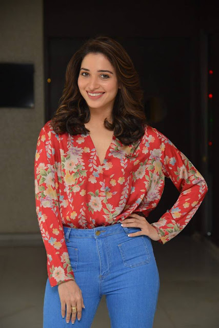 Tamanna Stills At Okkadochadu Movie Interview