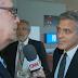 Η έκπληξη του George Clooney όταν μαθαίνει για το χωρισμό της Jolie από τον Pitt (video)