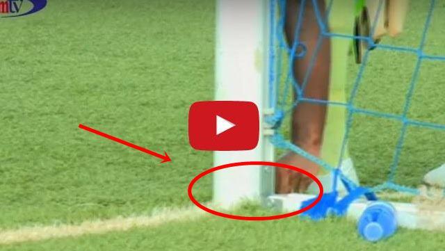 VIDEO: Benda Yang Dicurigai Jimat Membuat Pertandingan Sepakbola Menjadi Ricuh