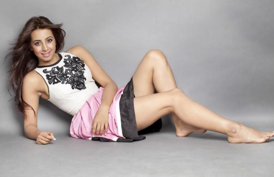 Actress Sanjana Galrani uncensored video leaked