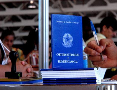 Governo estuda sistema de pontos na transição da reforma da Previdência