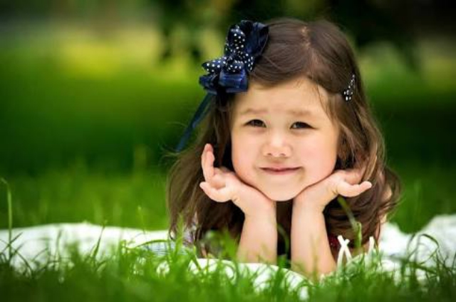 Very cute little baby girls wallpapers hd images wallpapers hd very cute baby girls wallpapers hd image 1 voltagebd Image collections