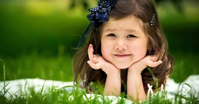 Cute Baby Pics Wallpapers 64 Images: VERY CUTE LITTLE BABY GIRLS WALLPAPERS HD IMAGES