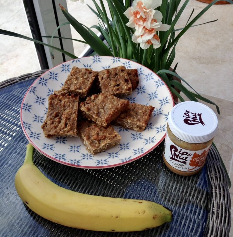 Peanut Butter and Banana Baked Oat Bars