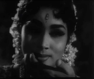 Thangaratham Vanthathu Veethiyile-Kalaikovil