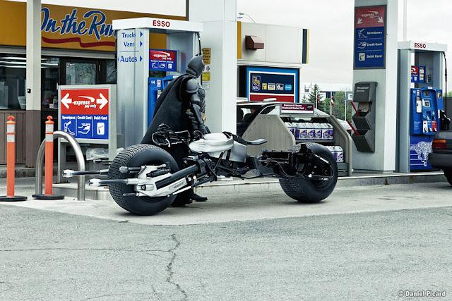 Batman en su batimoto