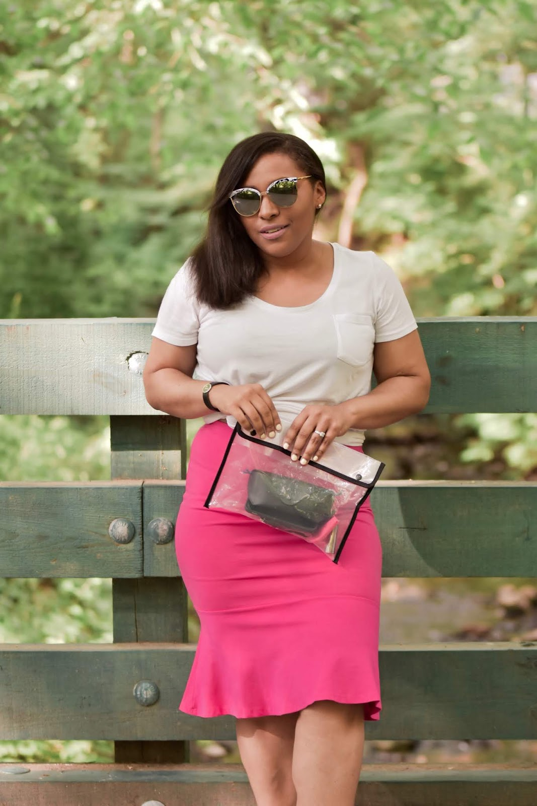 mom blogs, mom bloggers, fashionable moms, summer outfits, summer outfit ideas, neon trend, pink outfits