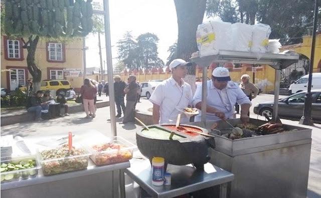 Tacos, tortillas, salsa, carnitas, bistec