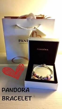 In love with Pandora-- pink colored Pandora bracelet, golden heart necklace charm http://isafashionebella.blogspot.com #pandorajewerly #pandorabracelet