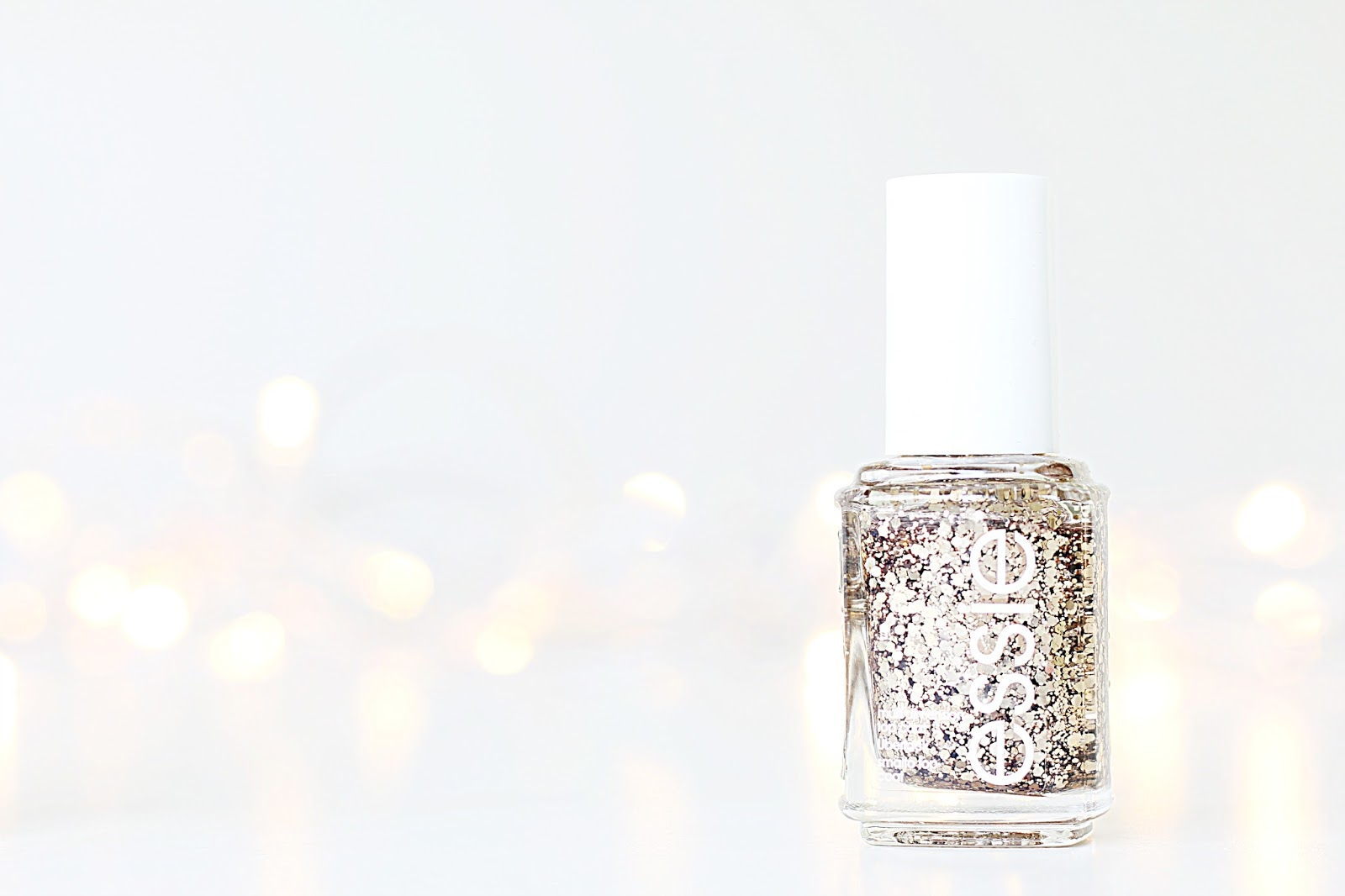 Beauty, Nail Polish, Essie, Essie Nail Polish, Essie Nail Collection, Drugstore, Nails, Make up, Essie Mint candy apple, essie minimalistic, essie summit of style, essie cocktail bling, essie muchi muchi, essie blossom dandy, essie fiji, where to buy cheap essie nail polish