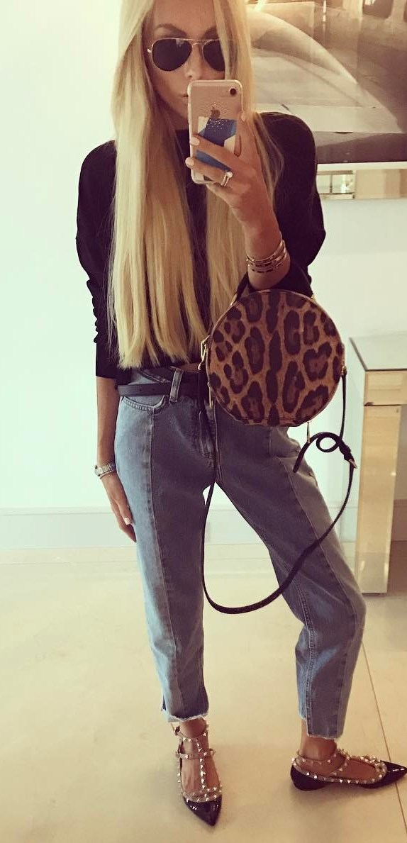 casual style addict / black blouse + jeans + bag + loafers