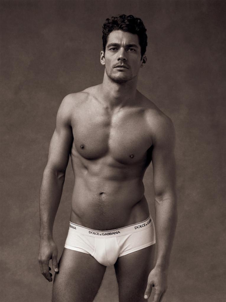 Красивые мужчины видео без одежды, фото девушек с раздвинутыми ногами в постели