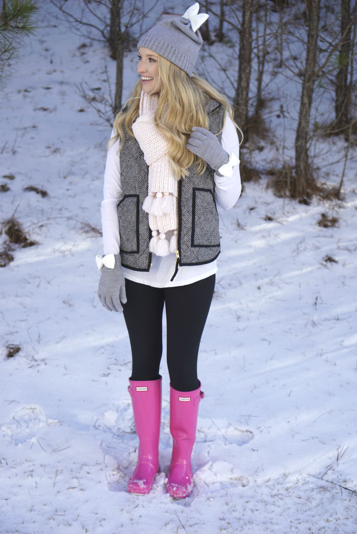 strawberry chic, pink hunters, pink rainboots, Kate spade bow beanie
