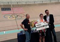 CICLISMO - Evelyn Stevens se queda con el récord de la hora femenino