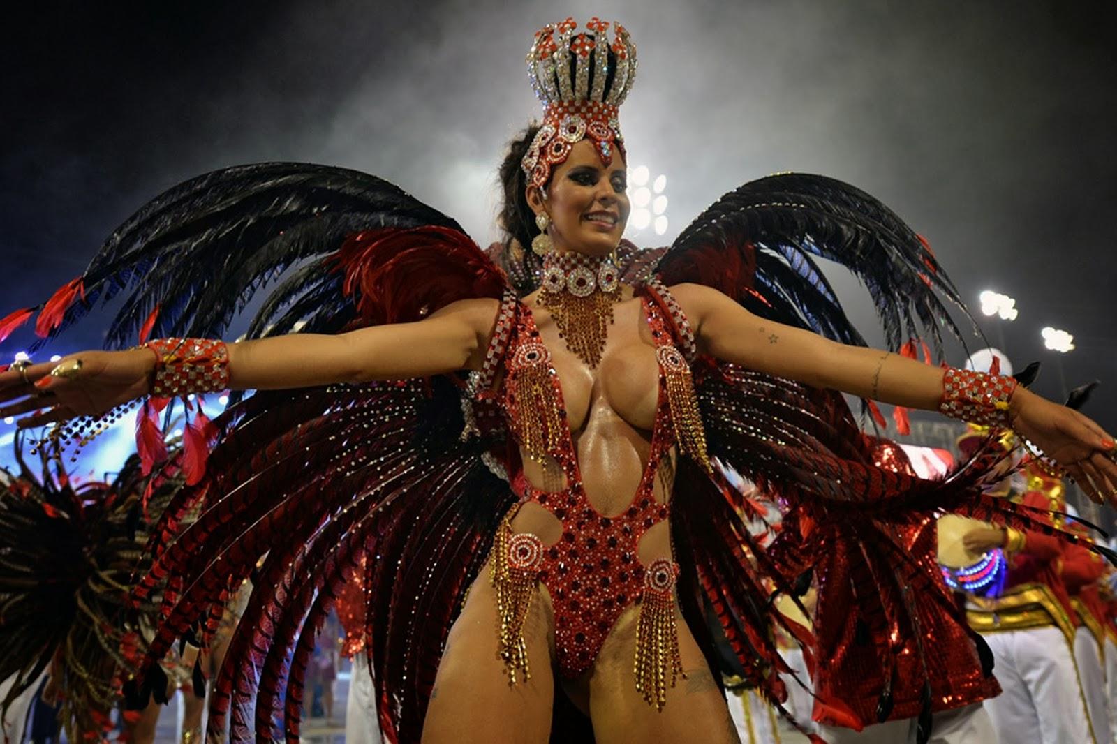 сайт бразильские эротические танцы карнавал трое подошли