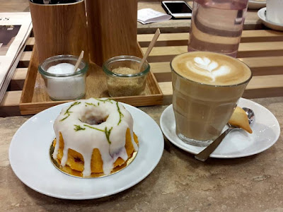 Coffee and cake at In Good Company ION Orchard
